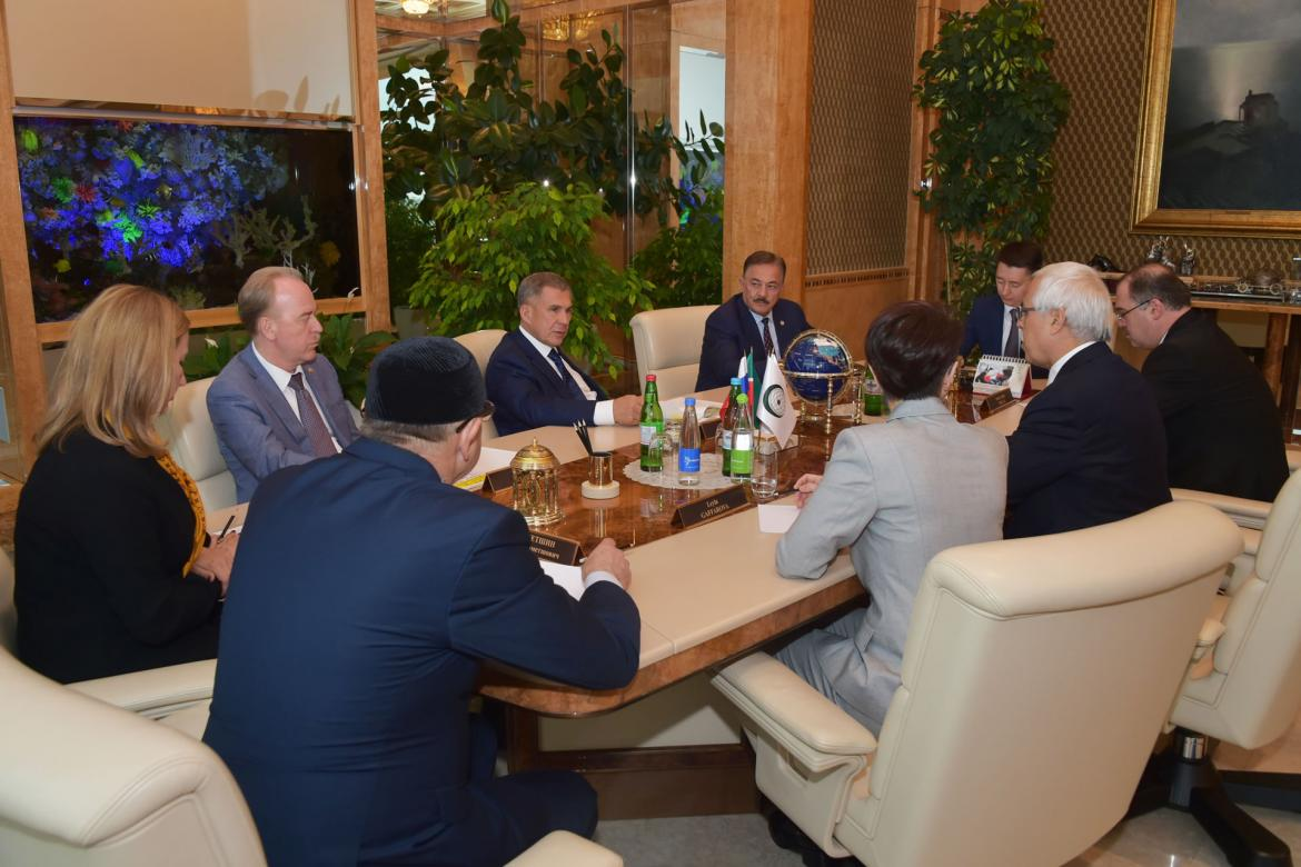 IRCICA Director General Dr. Halit Eren met with H.E. Rustam Minnikhanov, President of Tatarstan Republic, Russian Federation